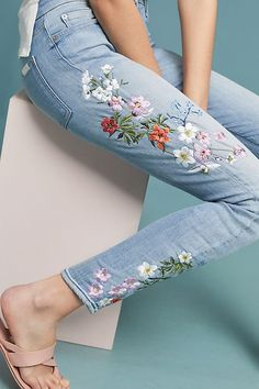 Slide View: 7 For All Mankind Mid-Rise Embroidered Skinny Ankle Jeans Jeans Outfit Summer, Denim Outfit, Summer Outfits, Summer Jeans, Diy Jeans, Women's Jeans, Embroidery On Clothes, Embroidered Clothes, Jean Embroidery