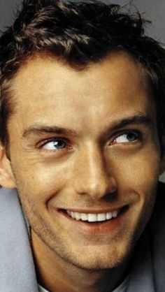 Jude....jude.... jud'eh!                                                                                                                                                                                 More Most Beautiful Man, Gorgeous Men, Beautiful Teeth, Jude Law, Kino, Hey Jude, Actors & Actresses, British Men, Best Actor