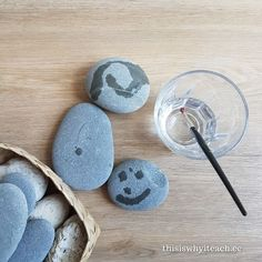 Simple set up of stones, water and paint brushes. The magic and zen quality of the activity always brings wonder. Simple set up of stones, water and paint brushes. The magic and zen quality of the activity always brings wonder. Montessori Toddler, Montessori Activities, Toddler Learning, Infant Activities, Preschool Activities, Reggio Inspired Classrooms, Reggio Classroom, Eyfs, Childhood Education