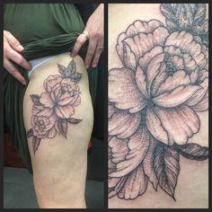 Dot shaded flowers by Joanne #devilsowntattoos #devilsown #leicestertattoos #leicester #tattoo #thightattoo #blackandgreytattoo #dotshade #dotshadetattoo