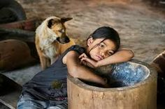 Intense Portraits by Steve McCurry Tour Around The World, People Of The World, Steve Mccurry Photos, World Press Photo, Afghan Girl, Famous Photographers, Coffee And Books, Amazing Photography, Travel Photography