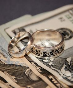 How Having a Budget Brings Peace to Our Marriage