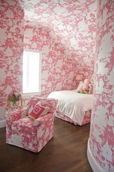 Toile - Design photos, ideas and inspiration. Amazing gallery of interior design and decorating ideas of Toile in bedrooms, girl's rooms, bathrooms, boy's rooms by elite interior designers. Pink Toile Wallpaper, Of Wallpaper, Chinoiserie Wallpaper, Pink Bedroom For Girls, Pink Room, White Bedroom, Pink Bedrooms, Feminine Bedroom, Attic Bedrooms