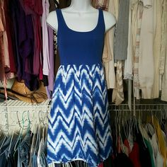 GAP dress Blue and white dress size M Dresses