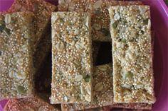 Crunchy Quinoa Muesli Bars Recipe on Yummly. Healthy Meals For Kids, Healthy Baking, Healthy Treats, Kids Meals, Healthy Food, Healthy Recipes, Sugar Free Recipes, My Recipes, Sweet Recipes
