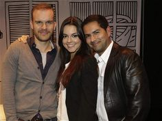 Ricardo, Julieth y yo, muy emocionados antes de nuestro estreno.