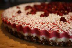 Raspberry-Pomegranate-Goji Berry & Lemon layered Raw Vegan Cheesecake Goji Berry Recipes, Raw Vegan Cheesecake, Pomegranate, Raspberry, Berries, Lemon, Healthy Recipes, Sweet, Desserts