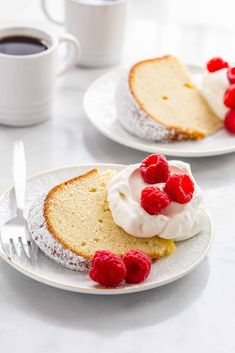 Cream Cheese Pound Cake is one delicious way to treat yourself to dessert. This classic pound cake is one to make all year round. Cakes Plus, Big Cakes, Cupcakes, Cupcake Cakes, Biscotti, Chocolate Lasagne, Bundy Cake, Mousse, Brownies