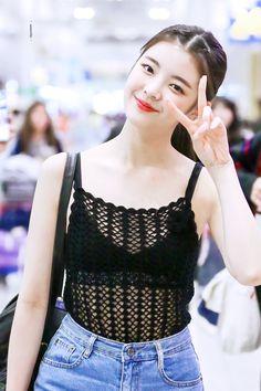 Photo album containing 11 pictures of Lia Kpop Girl Groups, Korean Girl Groups, Kpop Girls, Summer Baby, New Girl, South Korean Girls, Asian Girl, Crochet Top, Fandom