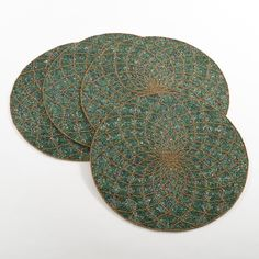 Saro Belagavi Collection Beaded Design Placemats (Set of 4) (Teal, 15 inches diameter), Blue (Synthetic Fiber)