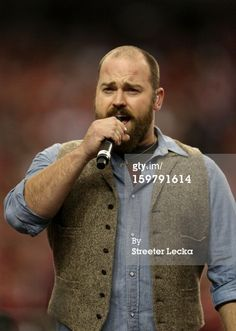 News Photo: Zac Brown of the Zac Brown Band performs…at the - game - OMG! No hat! Country Music Quotes, Country Music Lyrics, Country Songs, Zac Brown Band, Country Men, Country Girls, I Love Beards, Luke Bryan Quotes