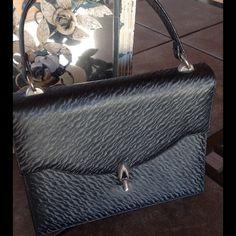 Vintage Black Handbag Classy black handbag by Andrew Gellar. Measures approx 8.5x6.5x3.5 . Excellent vintage condition! Andrew Gellar Bags