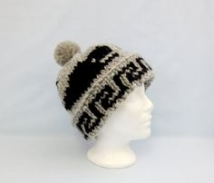 White Buffalo Cowichan Style Wool Toque Hat Cap Killer Whale Classic Style  Handcrafted in Canada Unisex Winter Accessory Pattern  150 310ab4dd13a