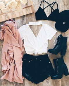 Find more purple dresses, outfits leggins and summer fashion Hier finden Sie mehr lila Kleider, Outfits Leggins und Sommermode Teen Fashion Outfits, Mode Outfits, Cute Fashion, Outfits For Teens, Look Fashion, Girl Outfits, Fashion Clothes, Street Fashion, Dress Outfits