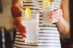 Lose 20 pounds in just two weeks with this lemon diet - Besbelli Lemon Water Diet, Juice Of One Lemon, Lemon Diet, Two Week Diet, Sassy Water, Prepare For Labor, Labor Preparation, La Constipation, Ice Cream Day