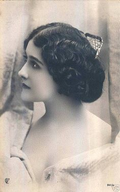 "Natalina ""Lina"" Cavalieri (25 December 1874 – 7 February 1944) was an Italian opera soprano singer, actress, and monologist"