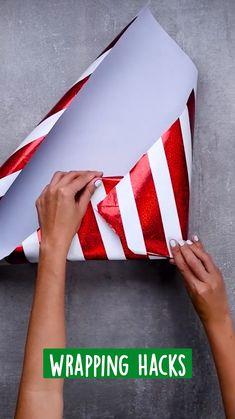 Christmas Gift Wrapping, Diy Christmas Gifts, Holiday Crafts, Holiday Fun, Christmas Crafts, Creative Gift Wrapping, Creative Gifts, Wrapping Ideas, Craft Gifts
