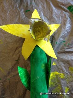 Latest Free daphodils Daffodils Ideas Daffodils can be a joyful spring flower, announcing the welcome arrival of lighter mornings and mild Spring Activities, Craft Activities For Kids, Crafts For Kids, Craft Ideas, Spring Art, Spring Crafts, Spring Time, Yellow Artwork, Diy And Crafts