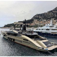 Once in a Lifetime Experience – Yacht Charter Sailing in Greece Yacht Design, Boat Design, Yacht Luxury, Luxury Travel, Luxury Boats, Yachting Club, Ski Nautique, Cool Boats, Charter Boat