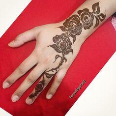 #hennaq8 #hennainspire #henna #mehndi #mehndiinspire #instakuwait #inspiration #instahenna #instagram #picoftheday #follow #follow4follow #tattoo #tattooed #bridalhenna #dressyourface #design #kuwait #q8 #arabichenna