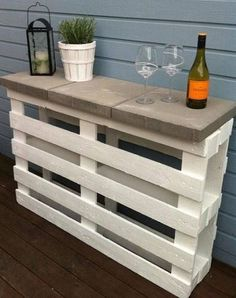 The Best DIY Wood and Pallet Ideas: 15 ideas creativas para bodejas caseras hechas con...