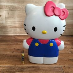 Hello Kitty Gifts, Cat Gifts, Auction, Character, Lettering