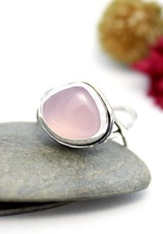 Pink Chalcedony Twist Band Ring Statement Ring by rosajuri on Etsy