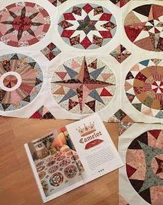 Even proberen hoor Scrappy Quilt Patterns, Plus Quilt, Medallion Quilt, English Paper Piecing, Antique Quilts, King George, Quilting Tutorials, Compass, Circles
