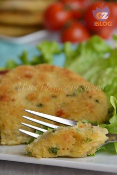 potato and courgette burgers Vegetarian Recipes, Cooking Recipes, Good Food, Yummy Food, No Salt Recipes, Best Dinner Recipes, Love Eat, My Best Recipe, Creative Food