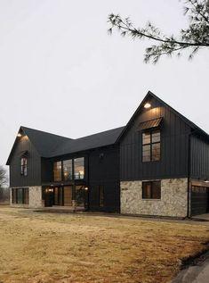 ➤79 Awesome Modern Farmhouse Exterior Design Ideas #farmhouseexterior #exterior #farmhouse #modern #homedecor #design   alatgamingmurah.me