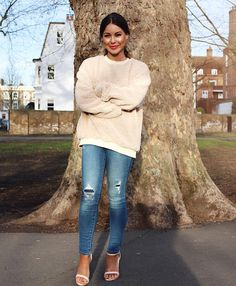 Louise Thompson | Made in Chelsea Louise Thompson, Made In Chelsea, Blue Skinny Jeans, Winter Looks, Winter Wear, Beauty Trends, Fashion Advice, My Wardrobe, Latest Fashion Trends