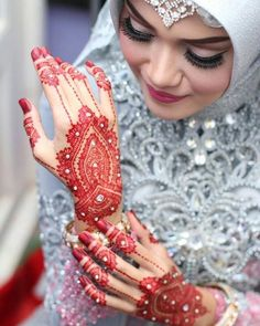 Image uploaded by زين عربها. Find images and videos on We Heart It - tpp to get lost in what you love. Arabic Henna Designs, Unique Mehndi Designs, Mehndi Designs For Fingers, Beautiful Henna Designs, Mehandi Designs, Mehndi Design Pictures, Mehndi Images, Henna Mehndi, Henna Art