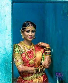Looking for some creative Blouse Designs to go with your favorite silk saree? Check out these gorgeous blouses and tell Wedding Saree Blouse Designs, Silk Saree Blouse Designs, Wedding Blouses, Brocade Saree, Silk Sarees, Indian Sarees, South Indian Wedding Saree, Tamil Wedding, Indian Weddings