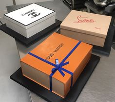 Have your gifts and eat 'em too! Chanel Birthday Cake, Birthday Cake Roses, Beautiful Birthday Cakes, Birthday Cakes For Women, Fruit Birthday, 21st Birthday Cakes, Bolo Gucci, Gucci Cake, Chanel Cake