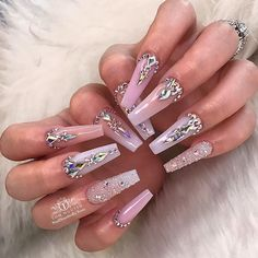 Gorgeous Trend Stiletto Nails in 2019 Bling Acrylic Nails, Glam Nails, Best Acrylic Nails, Fancy Nails, Stiletto Nails, Acrylic Nail Designs, Cute Nails, Diamond Nail Designs, Coffin Nails