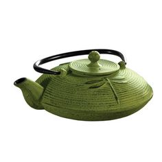Once considered cumbersome, your great grandmother's teapot is making a comeback. Original brewing machines were made from cast iron, which enhances the flavor of the leaves, staying hot longer and distributing heat more evenly than other materials.