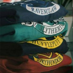 Hufflepuff, with a side of Slytherin and a sprinkle of Ravenclaw. Maybe sometime… Hufflepuff, with a side of Slytherin and a sprinkle of Ravenclaw. Maybe sometimes I have a little bit of a Gryffindor side, too? Mode Harry Potter, Harry Potter Merchandise, Harry Potter Outfits, Harry Potter Love, Harry Potter World, Hogwarts Sweatshirt, Ravenclaw, Hufflepuff Pride, Hogwarts Houses