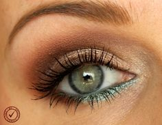 turquoise neutral makeup