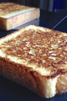 Texas Toast Recipe - with link to bread recipe Easy Smoothie Recipes, Snack Recipes, Cooking Recipes, Bread Recipes, Cooking Bread, Flour Recipes, Copycat Recipes, Bread Baking, Tostadas