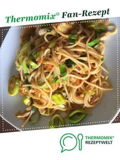 Variant of fried noodles from SternschnuppeSTD. A Thermomix ® recipe from the main course with meat category at www.de, the Thermomix ® Community. Variant of fried noodles Anette Dohle anette_dohle Thermomix Variant of fried noodles from Healthy Pasta Recipes, Noodle Recipes, Vegetable Recipes, Meat Recipes, Crockpot Recipes, Vegetarian Recipes, Dinner Recipes, Spaghetti Recipes, Easy Meals