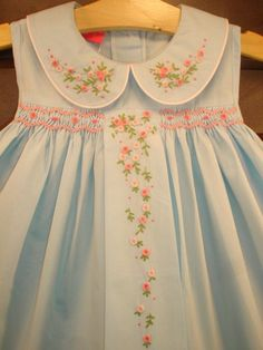 Hand Embroidery smocking on either side of embroidered panel down the front Little Dresses, Little Girl Dresses, Vintage Baby Dresses, Girls Dresses, Couture Bb, Smocked Baby Dresses, Smocked Clothing, Smocking Patterns, Rose Patterns