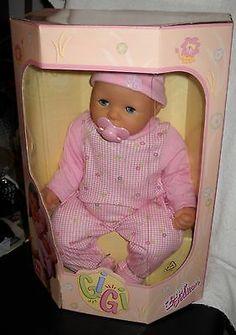 """Zapf Creations Gigi Baby Doll... """"Come sto stretta nella mia scatola!!! Speriamo mi tirino fuori presto!!!"""" Per la serie... FRATELLINI E SORELLINE DAL WEB..."""