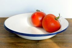 Vintage enamel dishes set of two by ThatRetroPiece on Etsy