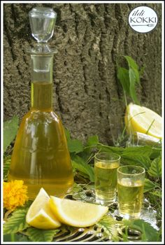 ildi KOKKI : Citromlikőr (Limoncello) Limoncello, Ital Food, Paleo Recipes, Cooking Recipes, Gourmet Gifts, Natural Life, Milkshake, Alcoholic Drinks, Recipies