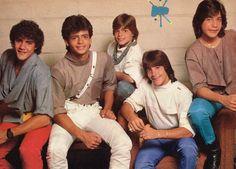 Menudo with Ricki Martin & parachute pants. Johnny Lozada, Ricki Martin, Ricky Schroder, Puerto Rico, Jonathan Taylor Thomas, Scott Baio, Joey Lawrence, John Schneider, Pin Up