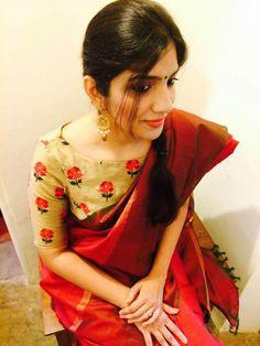 Classic combo of printed blouse & plain sari