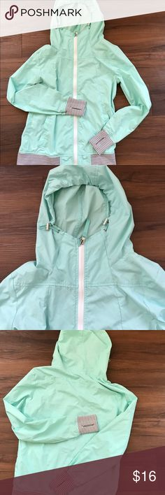 Northface Rain Jacket | Waterproof jacket, Rain and Hoods
