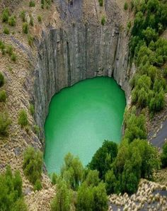 25 Beautiful Places In Our Amazing World. The-Big-Hole-Kimberley-in-the-Northern-Cape-South-Africa Places To Travel, Places To See, Travel Destinations, Vacation Travel, Vacation Rentals, Vacations, Places Around The World, Around The Worlds, Beautiful World
