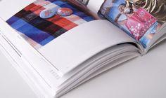 70 Exemplos de design editorial Short Fuse, Design Editorial, Design Design, Chocolate, Chocolates, Brown