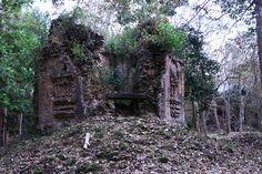 Sambor Prei Kuk (par Irène). En savoir plus: http://voyager-au-cambodge.com/sites-a-visiter/kompong-thom